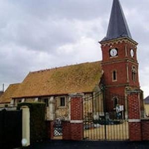 Le fantôme du prêtre d'Incarville dans dame blanche eglise_d-incarville-300x300